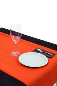 Combinación de mantel naranja y servilleta canguro marrón productos fabricados por muropapel