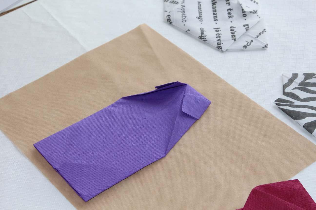 Doblar servilletas de papel Paso 5