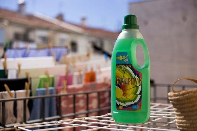 Limpieza del hogar detergente ropa color