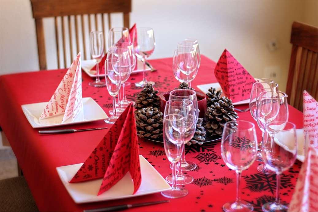 Como decorar tu mesa en navidad con manteles de papel - Como adornar en navidad ...