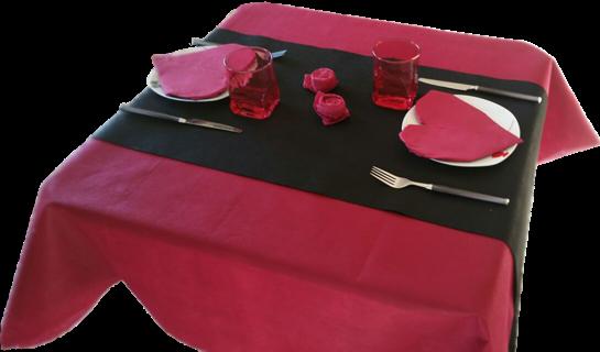 Corazones de papel para san valentin mesa decorada